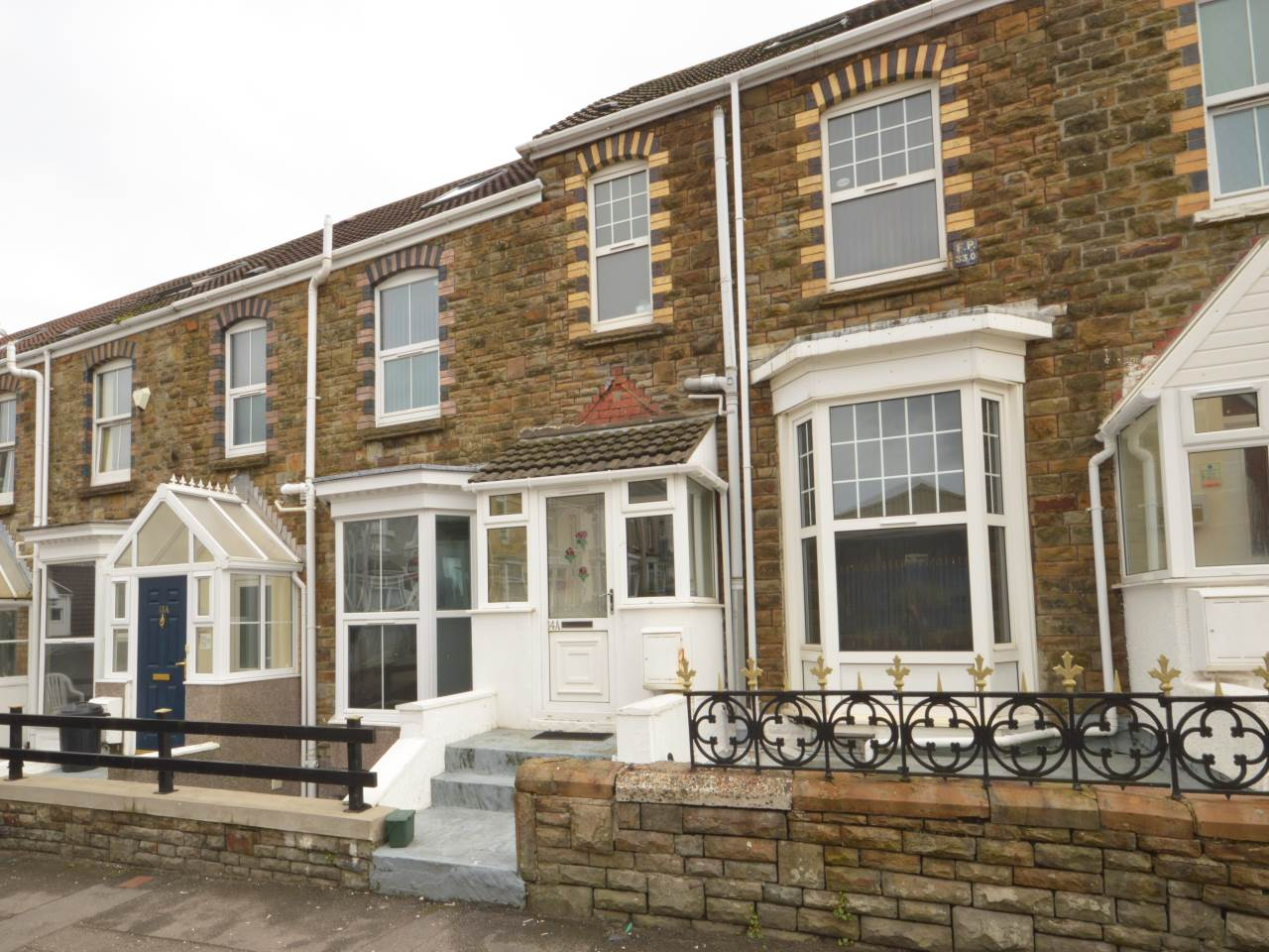 6 bed house to rent in Trafalgar Place, Brynmill 0