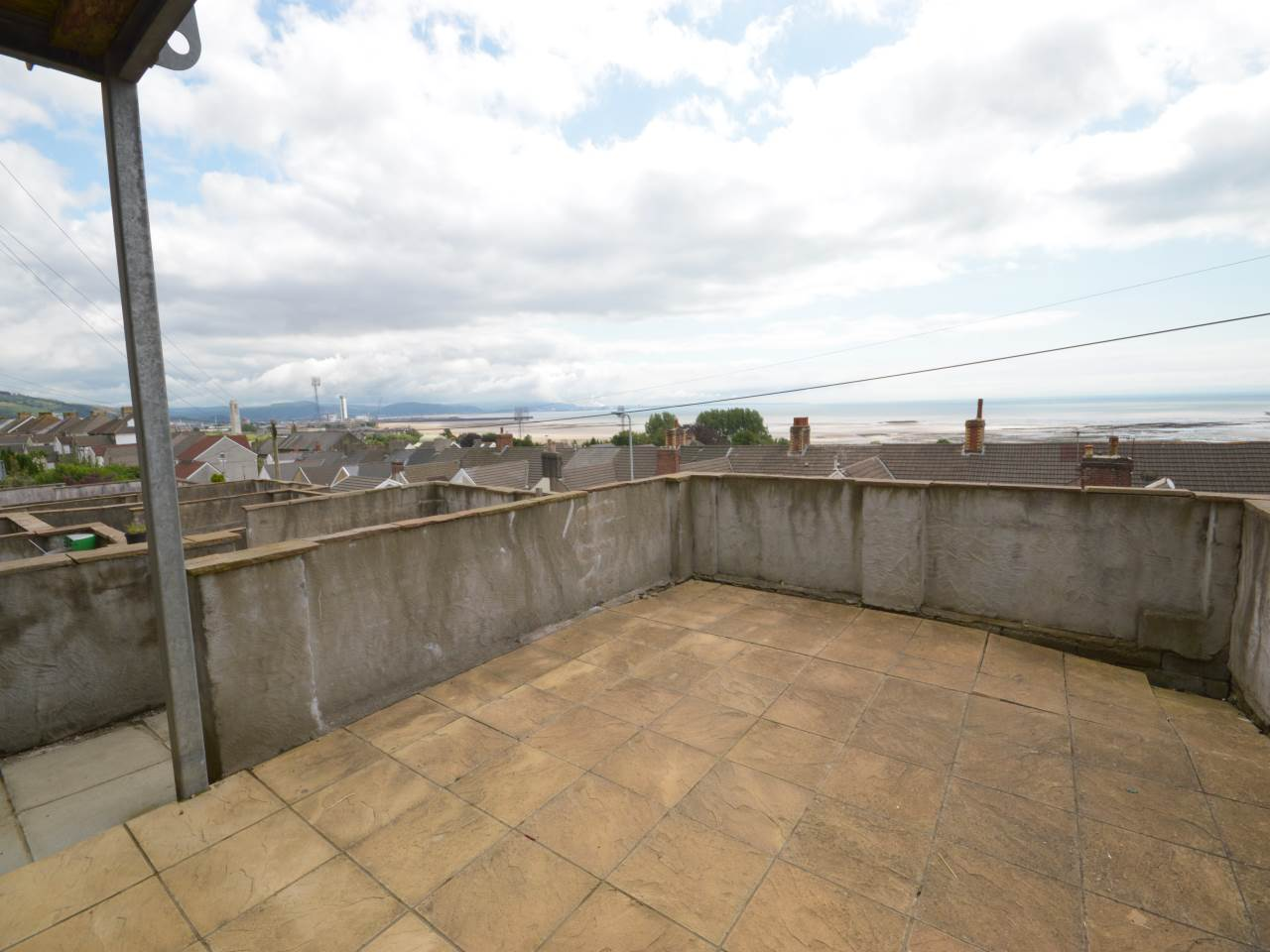 2 bed flat to rent in Trafalgar Place, Brynmill 0