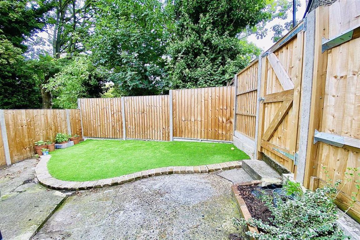 2 bed semi-detached house for sale in Willenhall Road, Woolwich, SE18