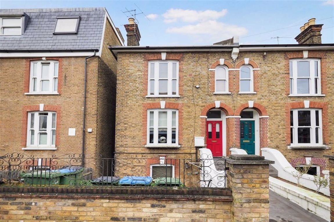 1 bed maisonette to rent in Cantwell Road, Shooters Hill - Property Image 1