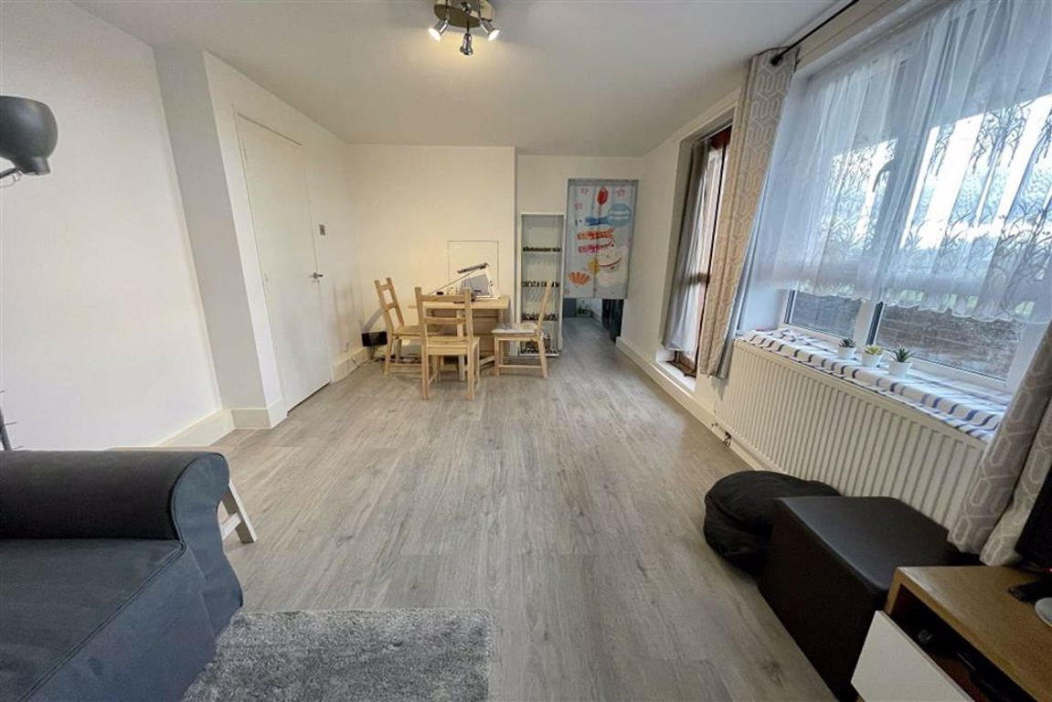 1 bed flat for sale in Woolwich Common, Woolwich, SE18