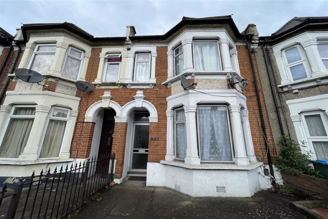 3 bed terraced house for sale in Plumstead High Street, Plumstead, SE18