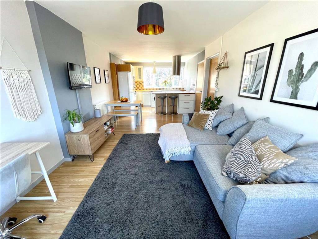 2 bed maisonette for sale in Herbert Road, Woolwich  - Property Image 1