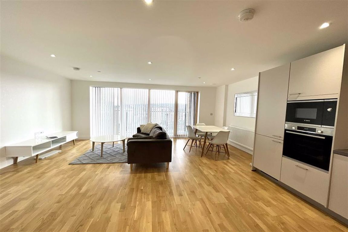 2 bed flat to rent in Wellington Street, Woolwich - Property Image 1