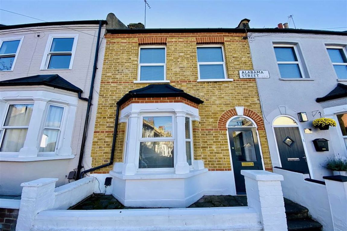 2 bed terraced house for sale in Alabama Street, Plumstead - Property Image 1