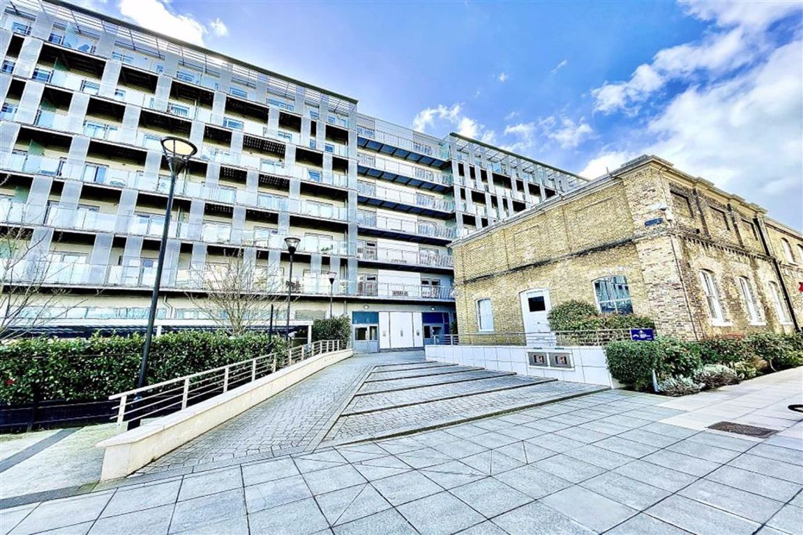 2 bed flat for sale in Royal Carriage Mews, Royal Arsenal, SE18