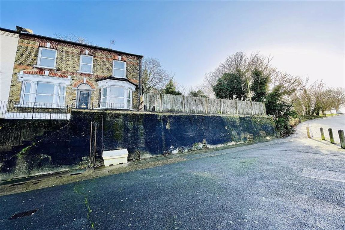 3 bed end of terrace house for sale in Tewson Road, Plumstead, SE18