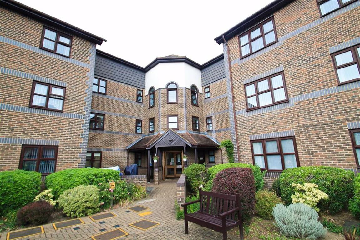 1 bed retirement property for sale in Pincott Road, Bexleyheath, DA6