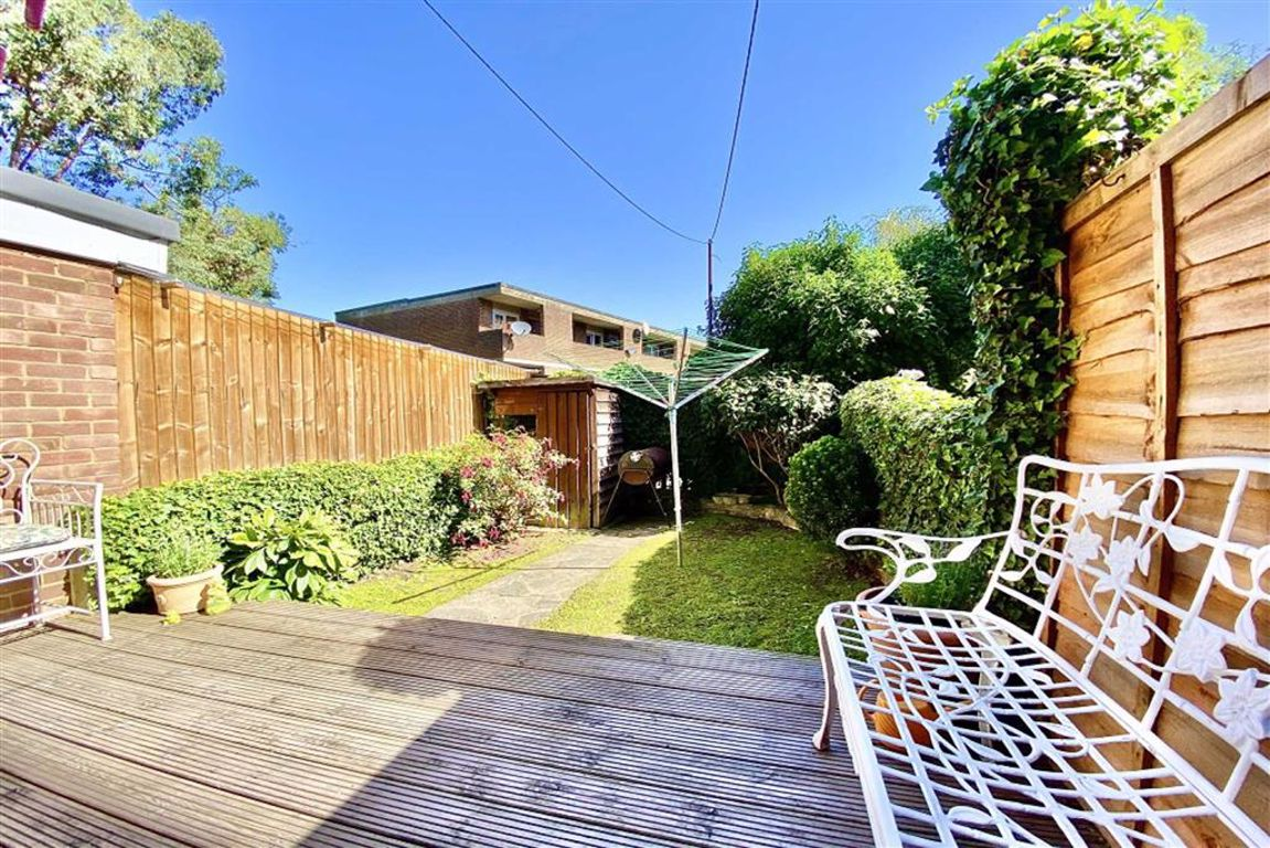 3 bed terraced house for sale in Ripon Road, Shooters Hill  - Property Image 1