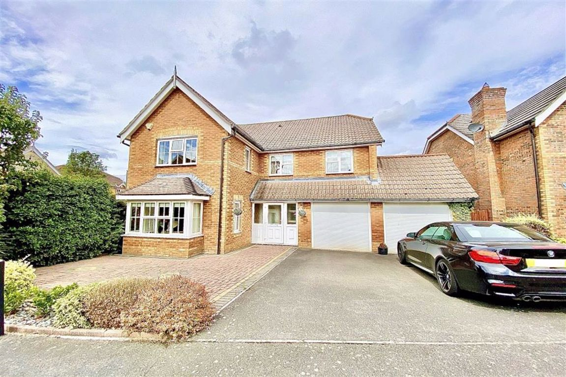 4 bed detached house for sale in Saltcote Close, Dartford, DA1