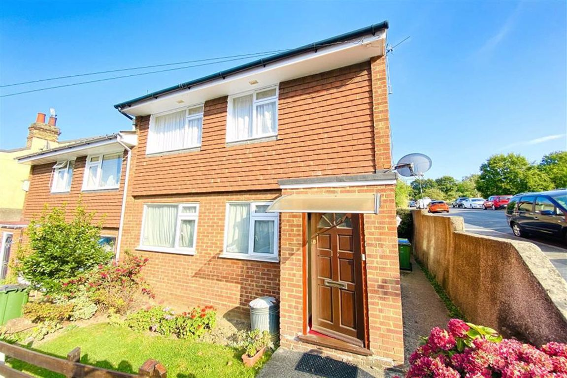2 bed maisonette for sale in Admaston Road, Plumstead  - Property Image 1