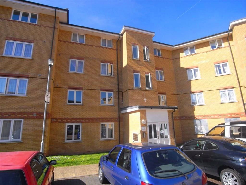 2 bed flat for sale in Rushgrove Street, Woolwich  - Property Image 1