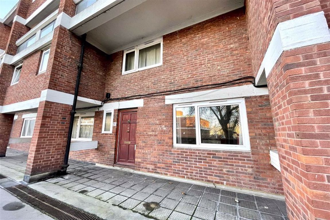 2 bed maisonette for sale in Clendon Way, Woolwich, SE18