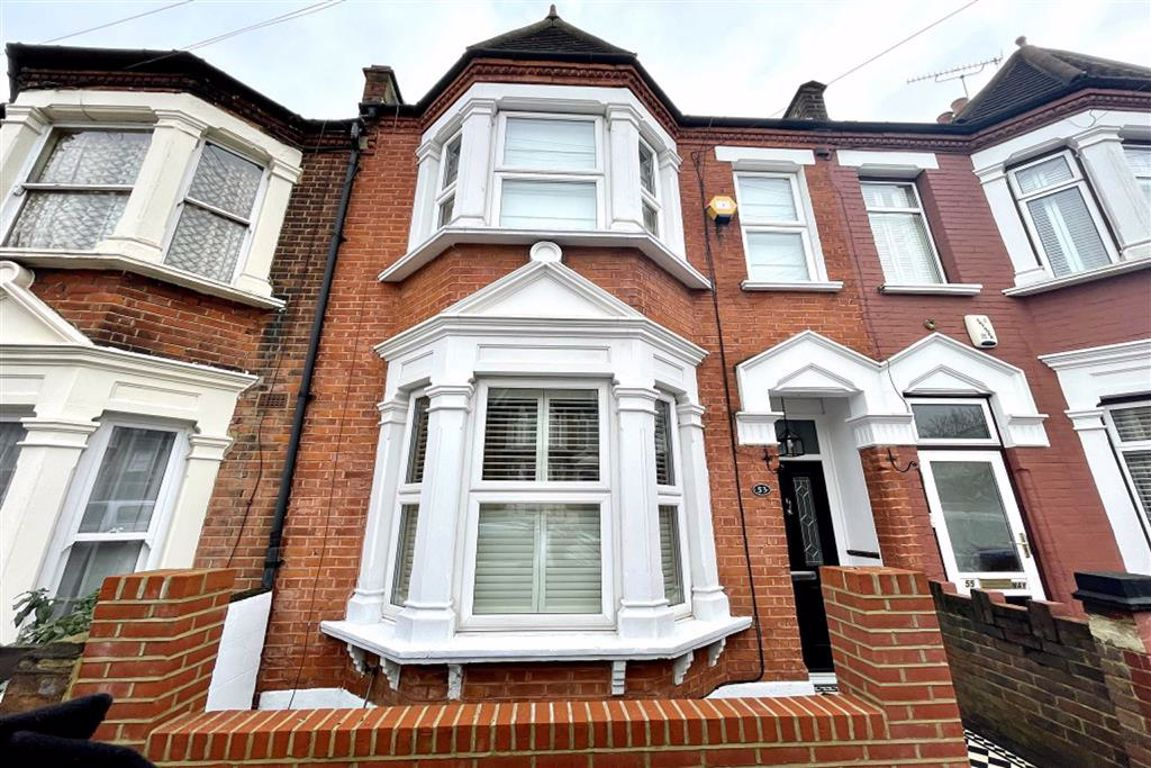 3 bed terraced house for sale in Plum Lane, Shooters Hill, SE18
