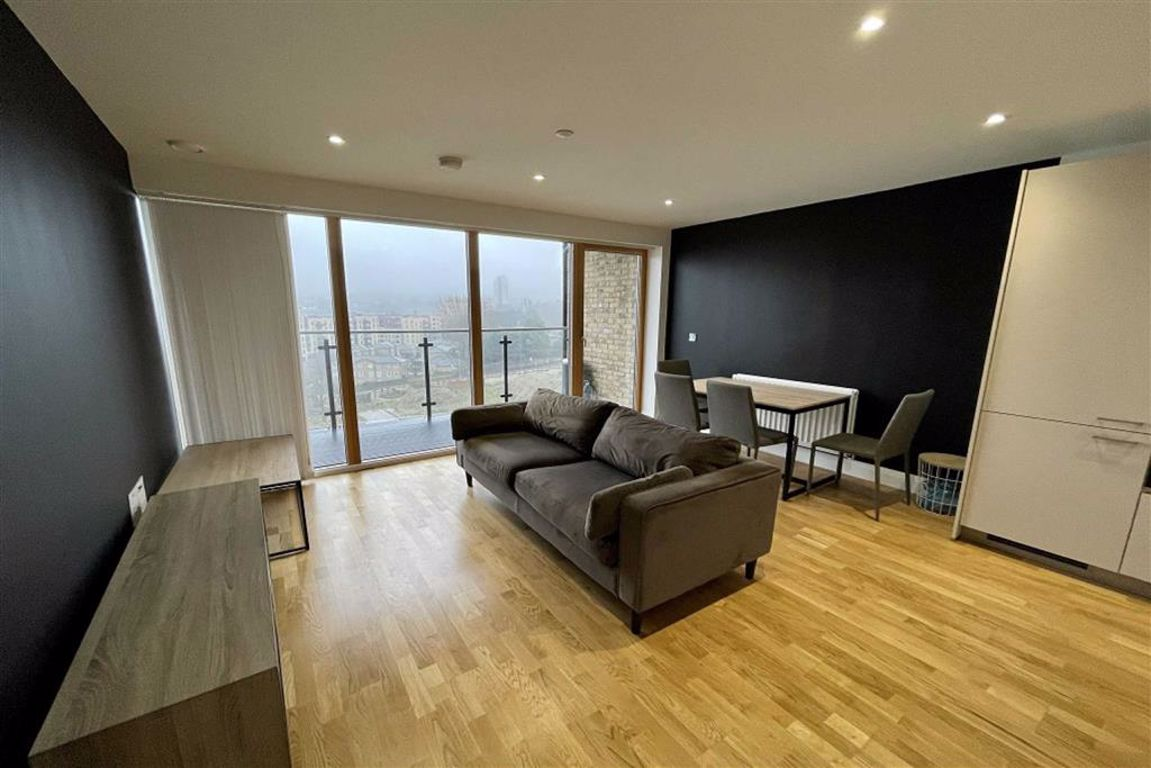 1 bed flat to rent in Wellington Street, Woolwich 0
