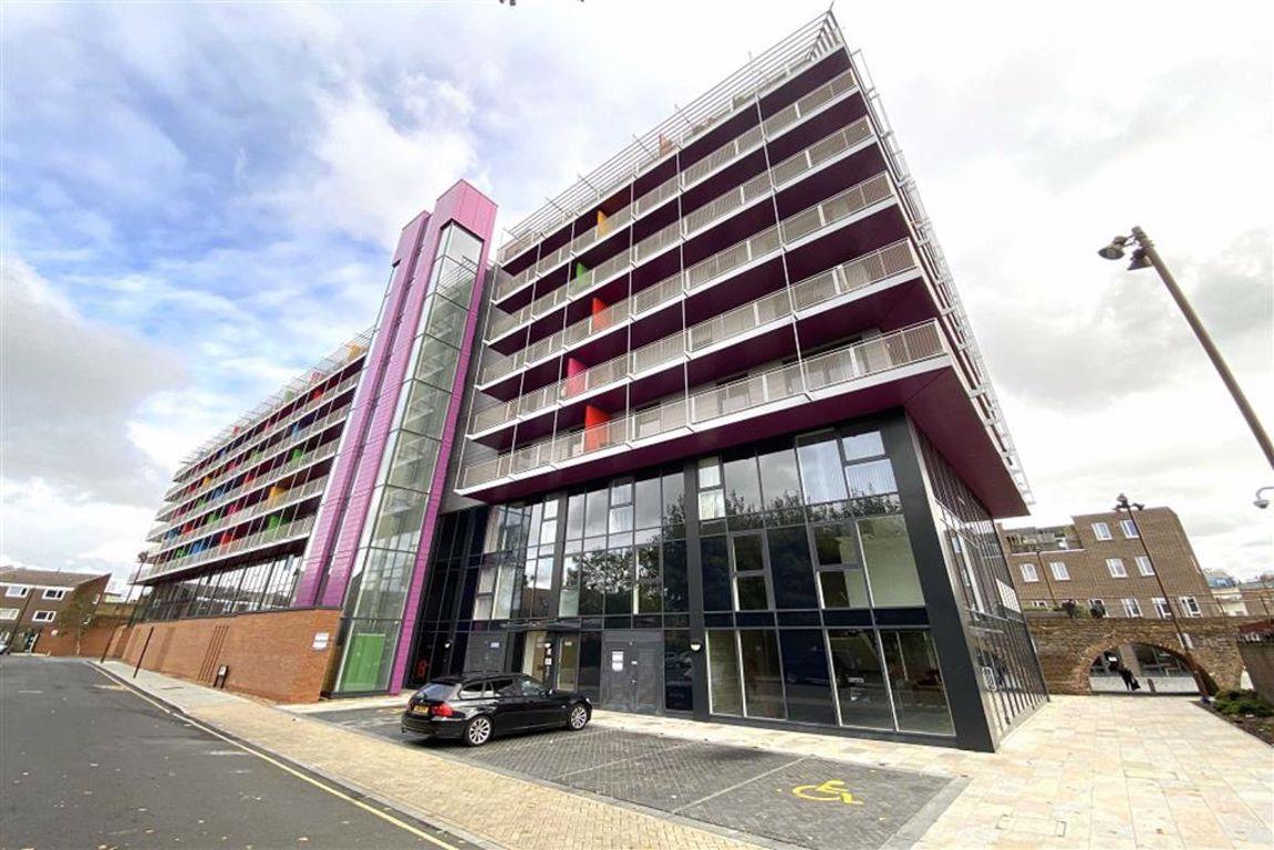 2 bed flat to rent in Octavius Street, Deptford - Property Image 1