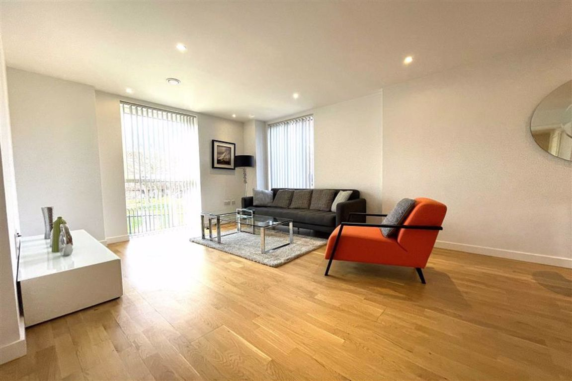 2 bed flat to rent in Carriage Way, London  - Property Image 1
