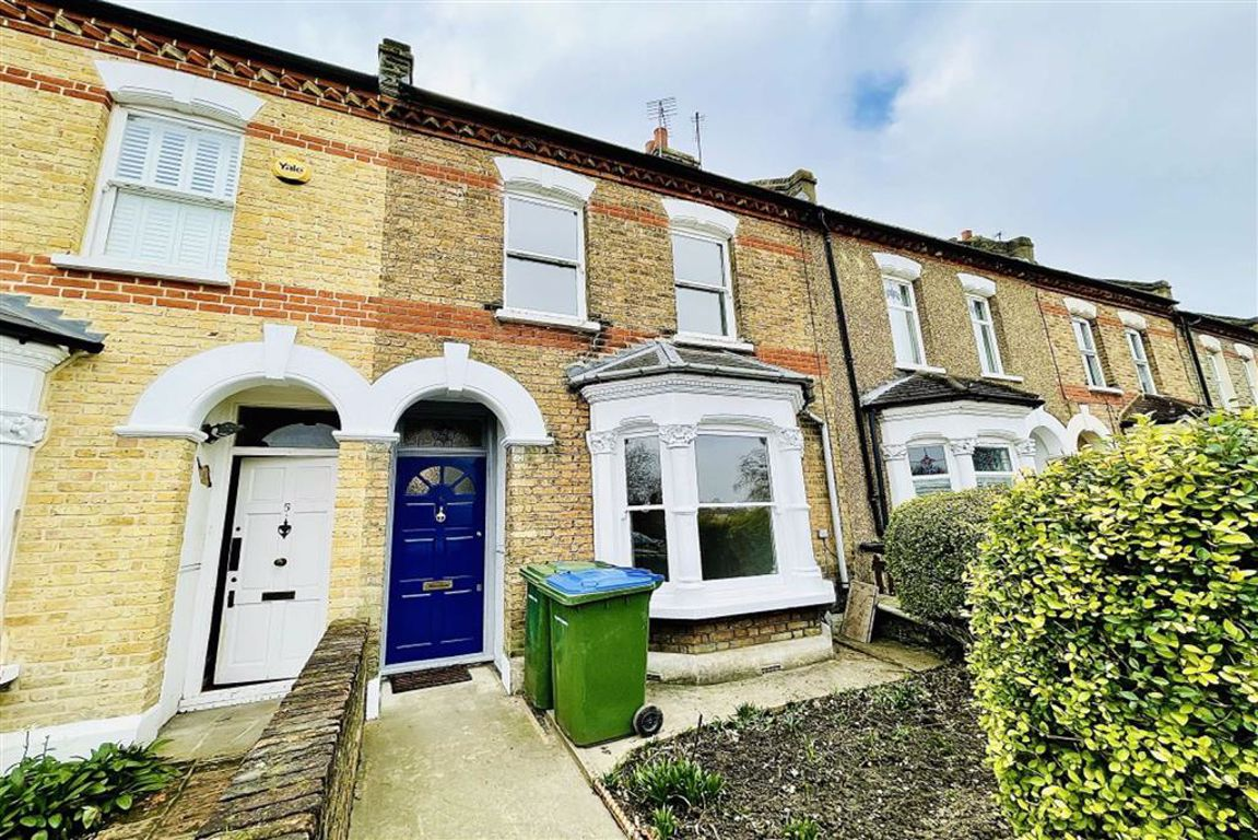 3 bed terraced house to rent in St. Johns Terrace, Plumstead - Property Image 1