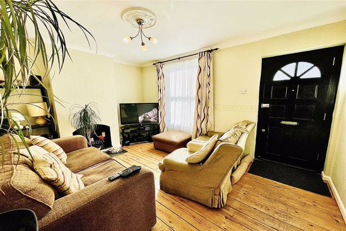 2 bed terraced house for sale in Admaston Road, Plumstead  - Property Image 1