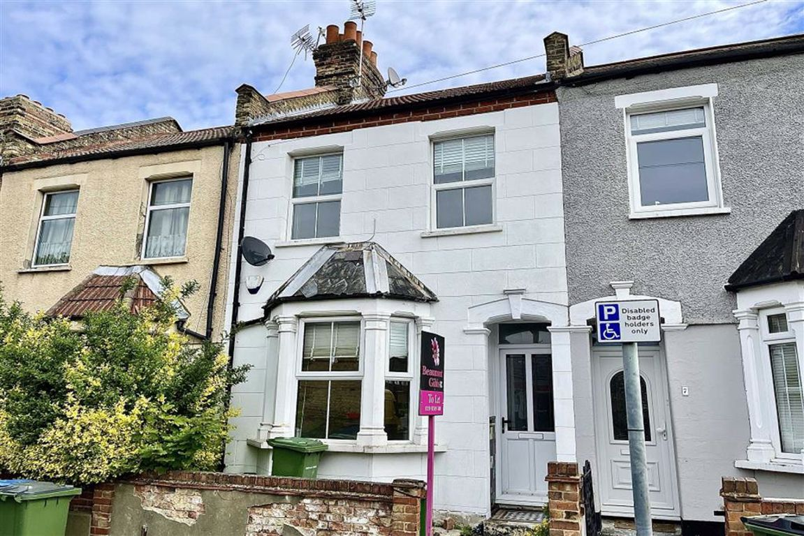 2 bed terraced house to rent in Kirkham Street, Plumstead 7