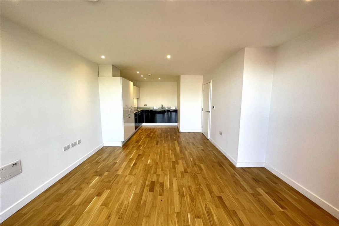 1 bed flat to rent in Carriage Way, London 0