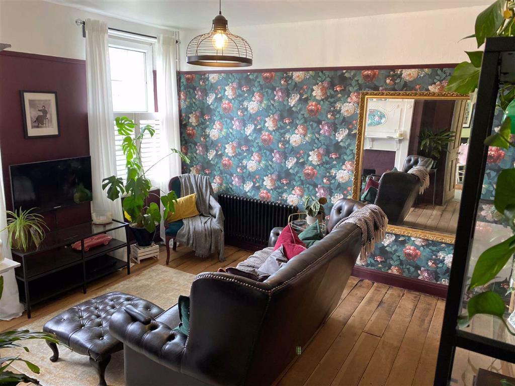 1 bed flat for sale in Inigo Jones Road, Charlton - Property Image 1