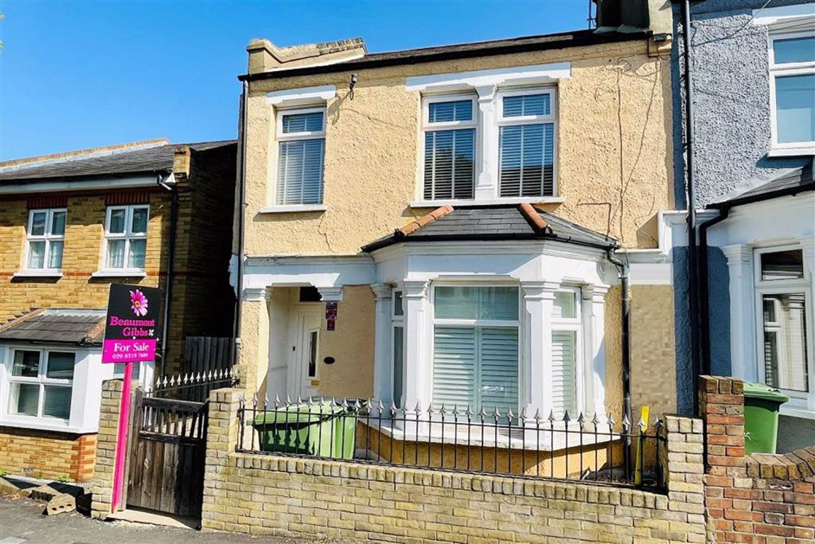 3 bed end of terrace house for sale in Nithdale Road, Shooters Hill - Property Image 1
