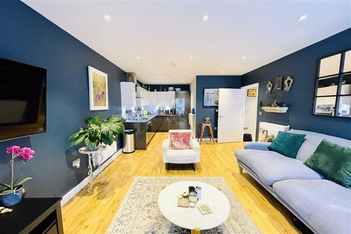 1 bed flat for sale in Moy Lane, Woolwich, SE18