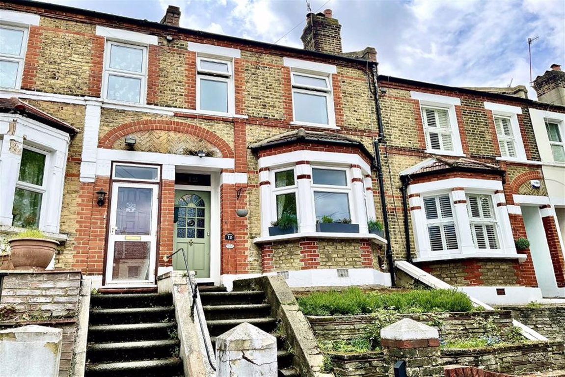 2 bed terraced house for sale in Congo Road, Plumstead - Property Image 1