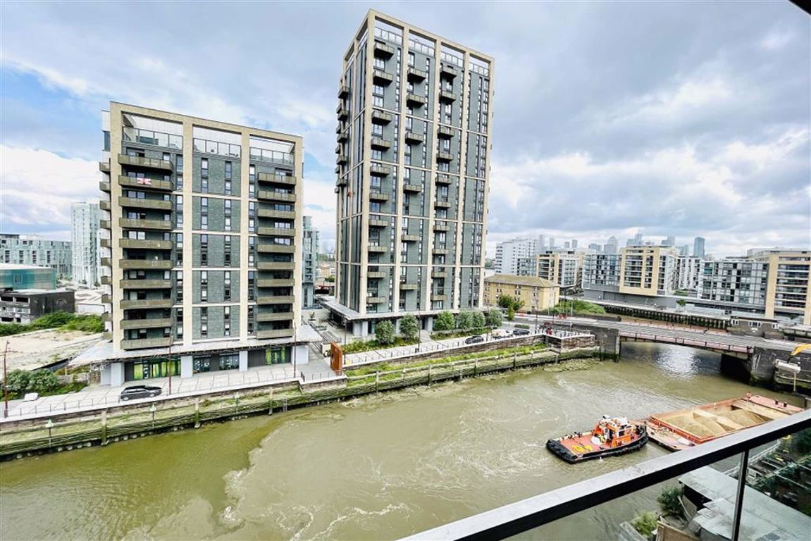 1 bed flat to rent in Norman Road, Greenwich, SE10