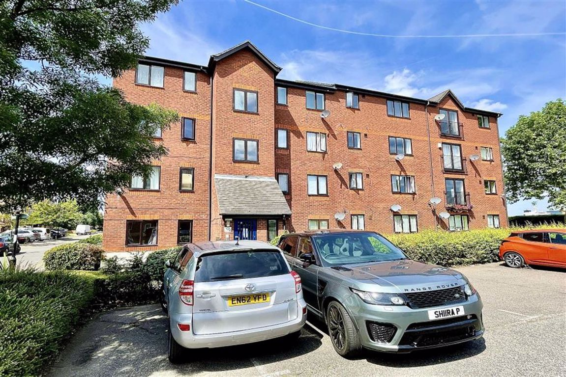 1 bed flat to rent in Harlinger Street, Woolwich 0