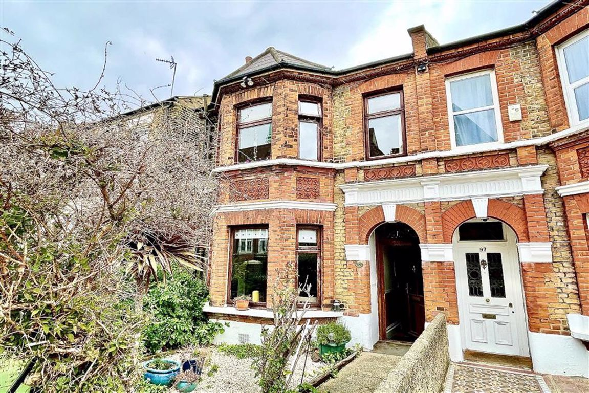 4 bed end of terrace house for sale in Genesta Road, Shooters Hill, SE18