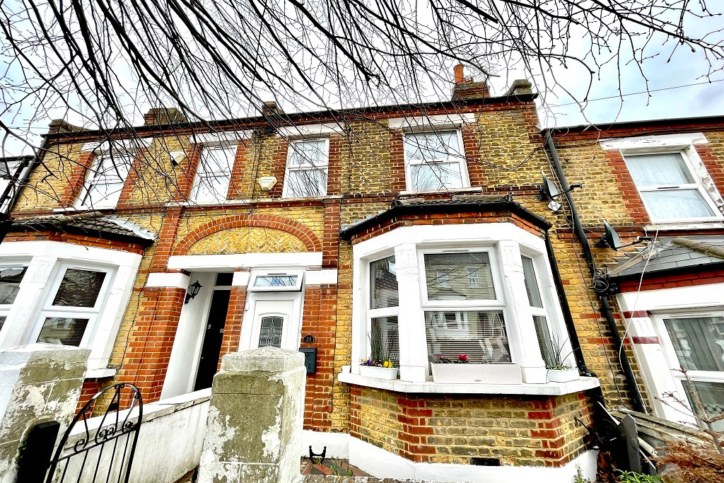 2 bed semi-detached house for sale in Congo Road, London, SE18