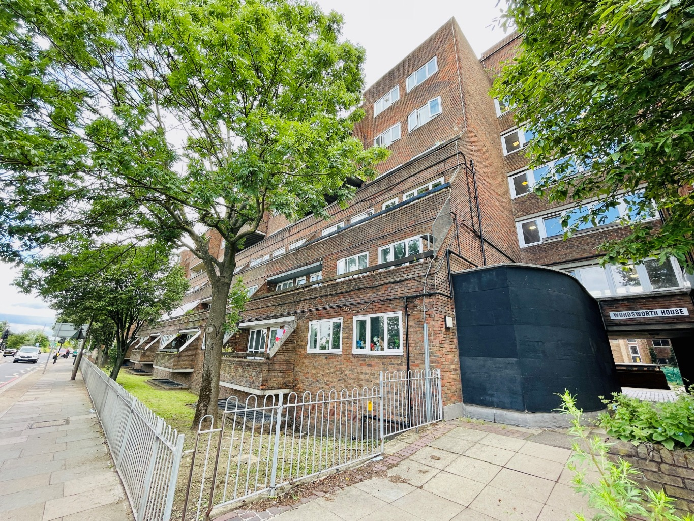1 bed apartment for sale in Woolwich Common, London, SE18