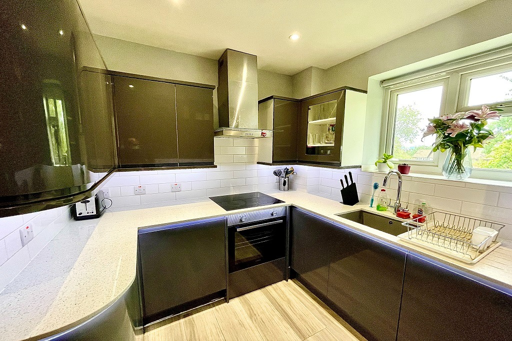 1 bed flat to rent in Lamport Close, London, SE18