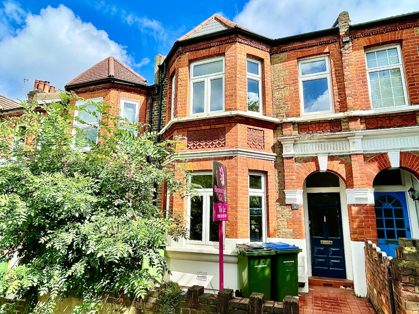 3 bed terraced house to rent in Isla Road, London, SE18