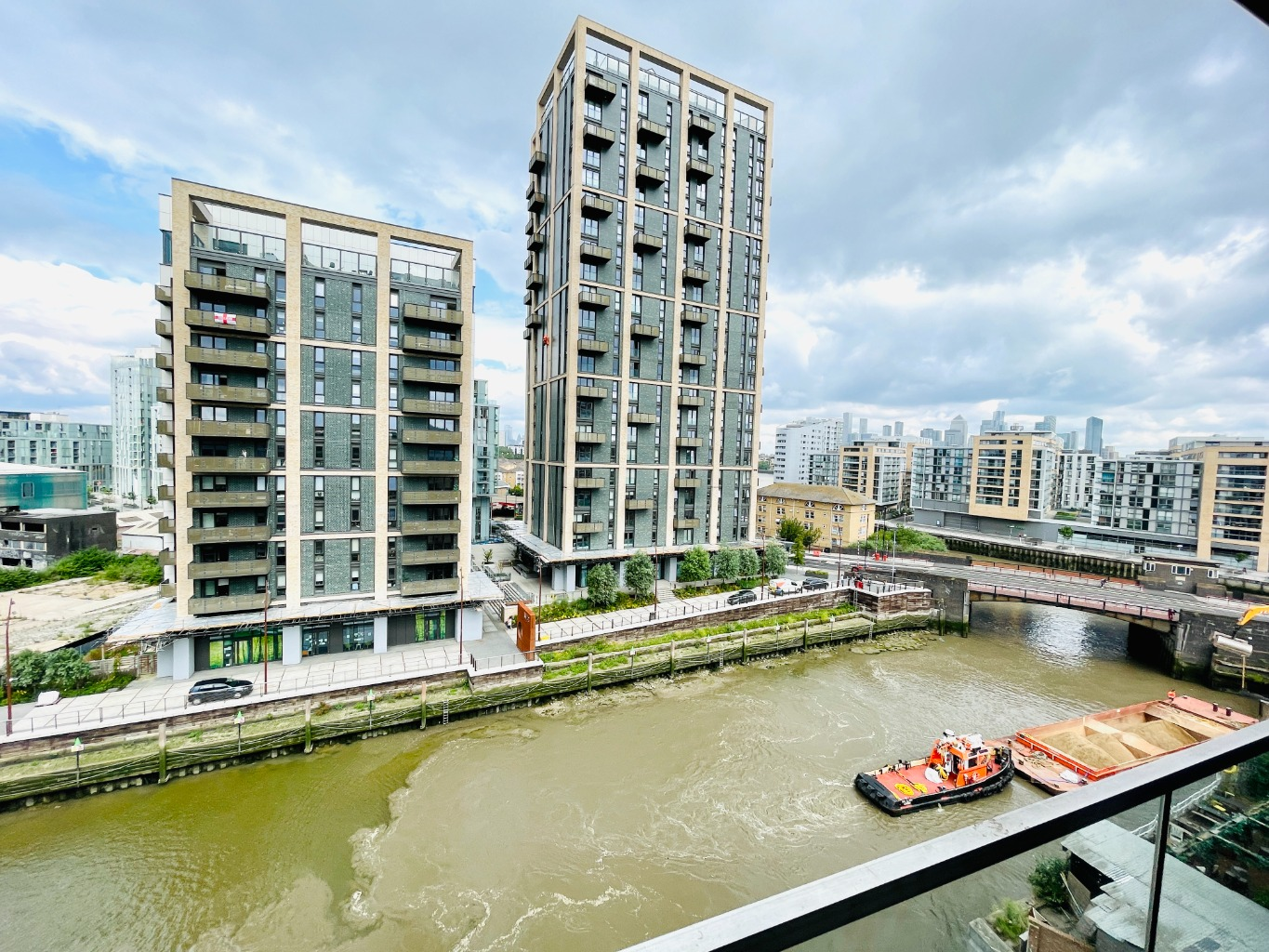 1 bed apartment to rent in Norman Road, London 0