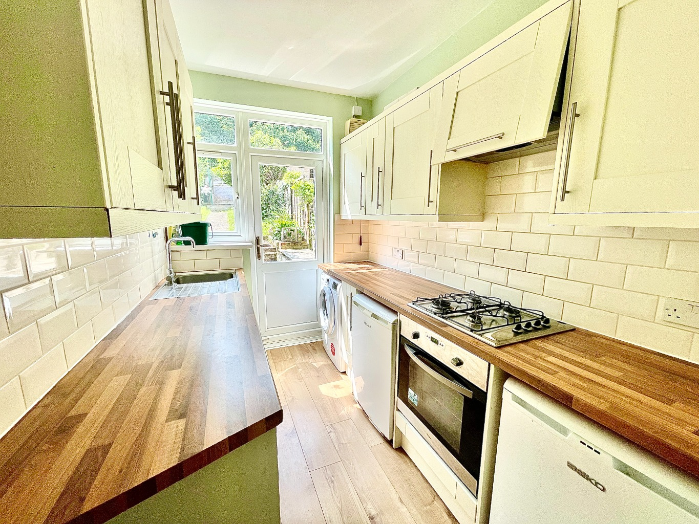 3 bed terraced house to rent in Commonwealth Way, London - Property Image 1