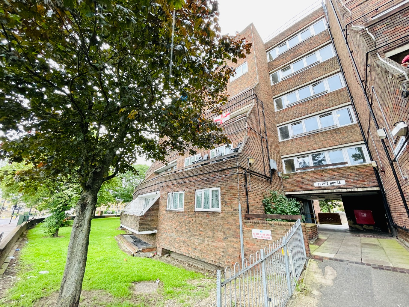 1 bed flat for sale in Woolwich Common, London, SE18