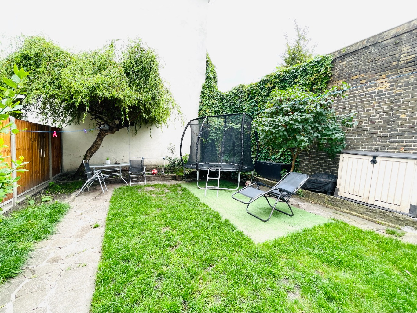 2 bed flat for sale in Flat A, Griffin Road, London, SE18