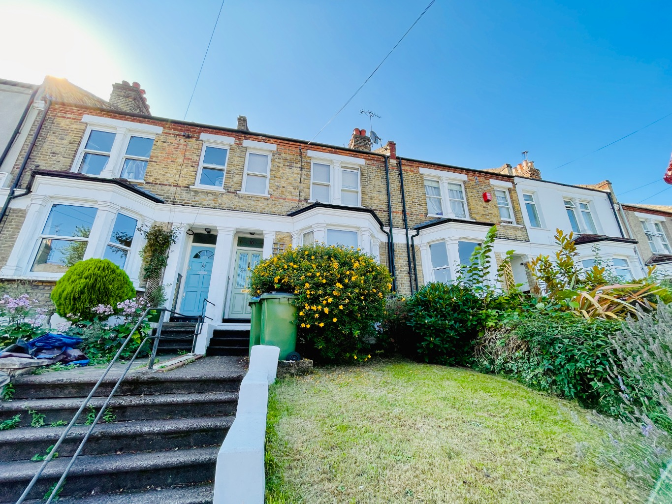 3 bed terraced house for sale in Nithdale Road, London - Property Image 1
