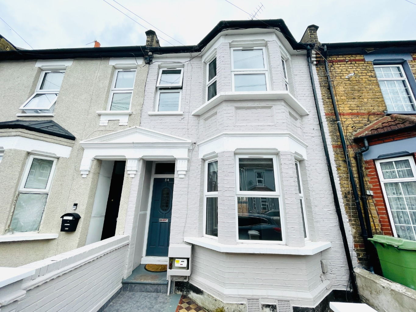 3 bed terraced house to rent in Bannockburn Road, London, SE18