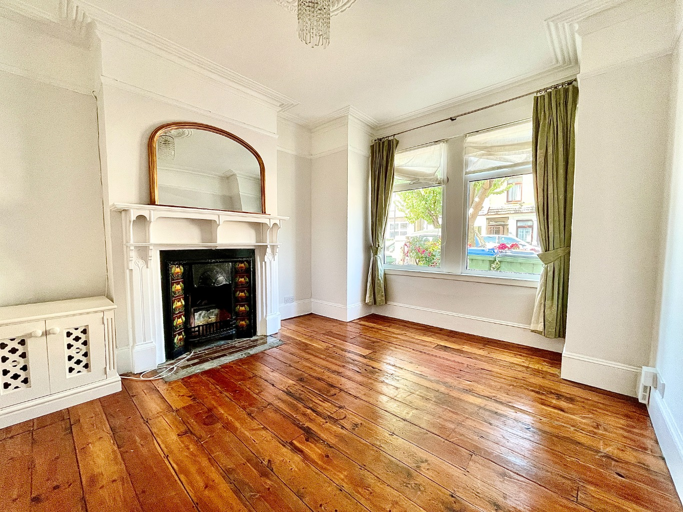 2 bed terraced house to rent in Malton Street, London - Property Image 1