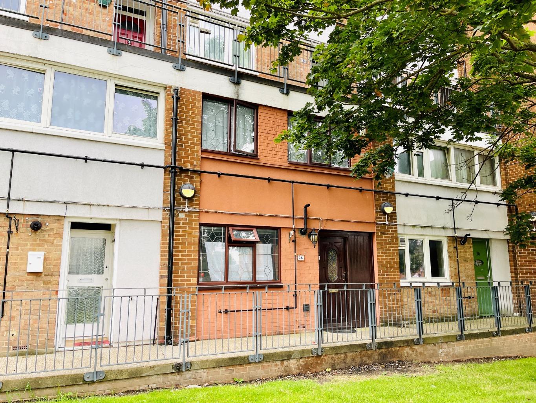 3 bed flat for sale in Elmley Street, London, SE18