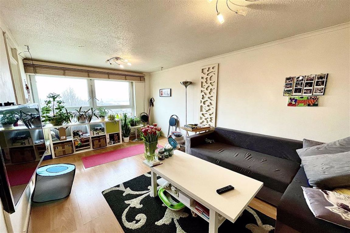 1 bed flat to rent in Leda Road, Woolwich, SE18