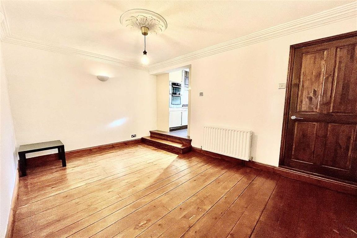 2 bed terraced house to rent in Riverdale Road, Plumstead, SE18