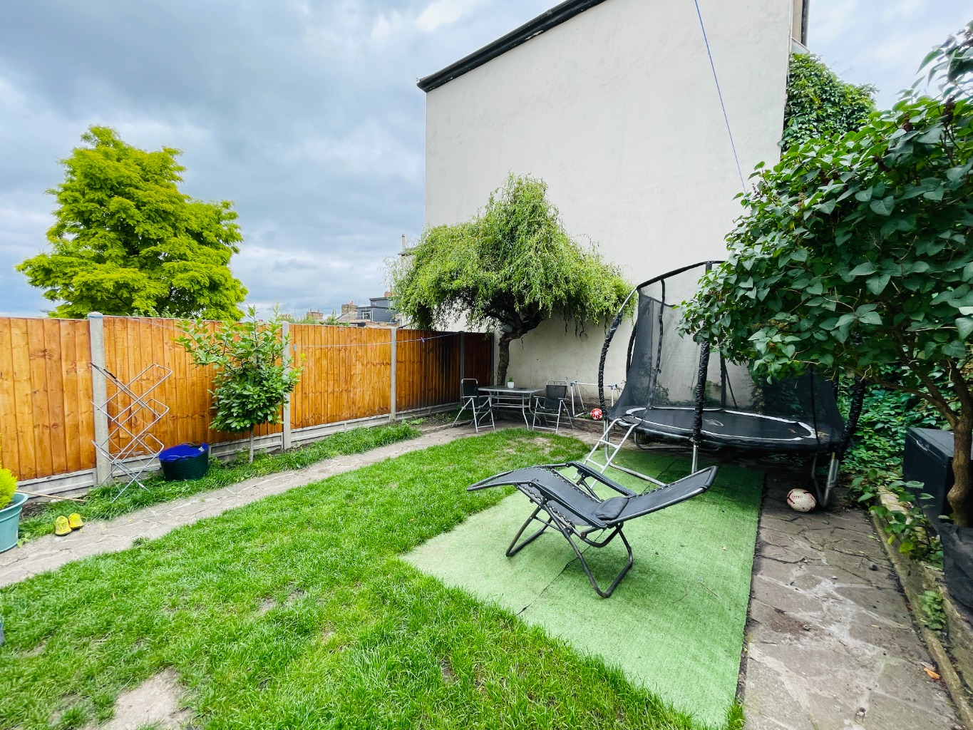 2 bed flat for sale in Flat A, Griffin Road, London  - Property Image 1