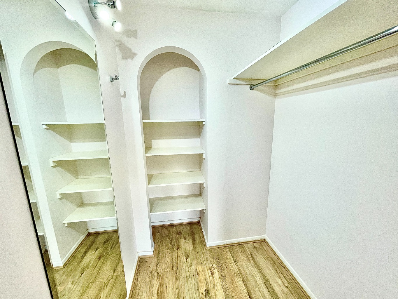2 bed apartment for sale in Garrison Close, Shooters Hill 7
