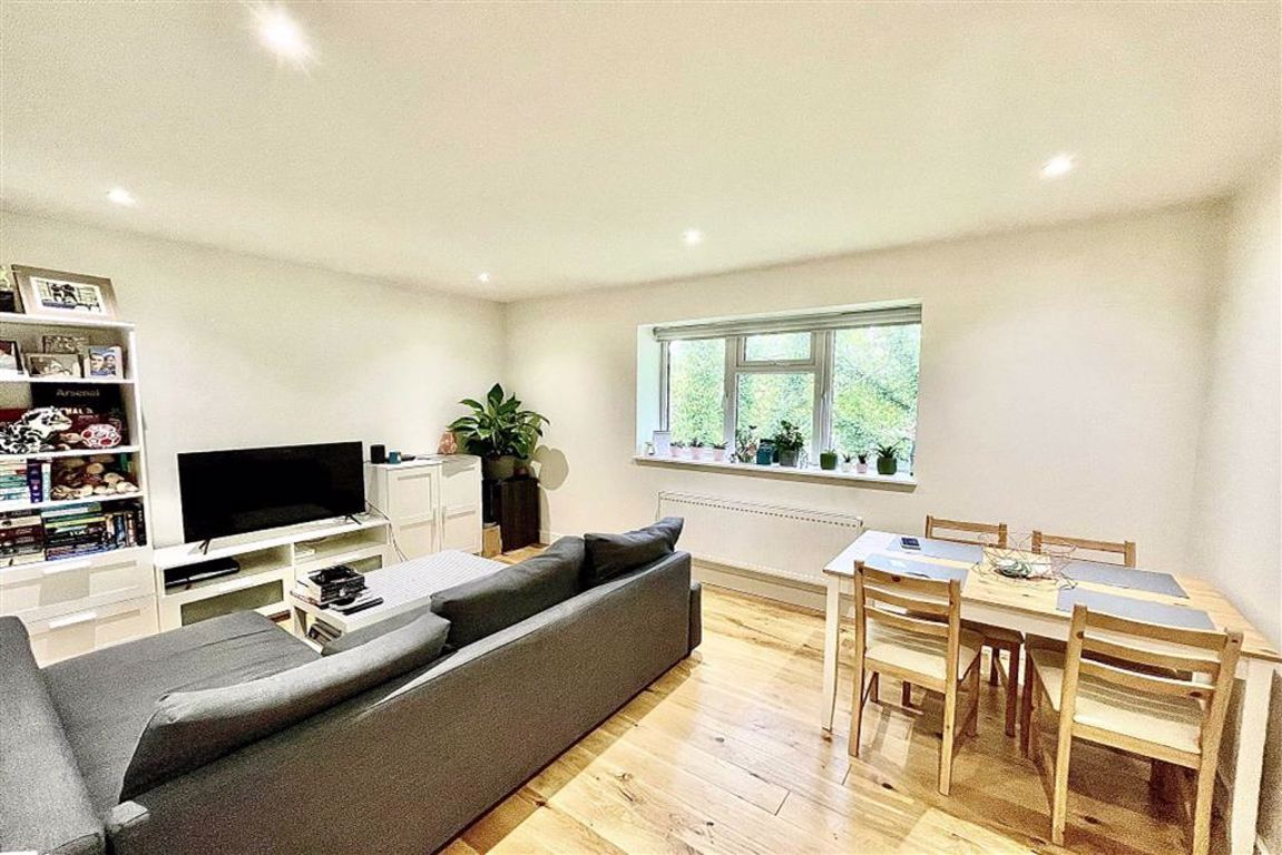 1 bed flat to rent in Lamport Close, Woolwich, SE18