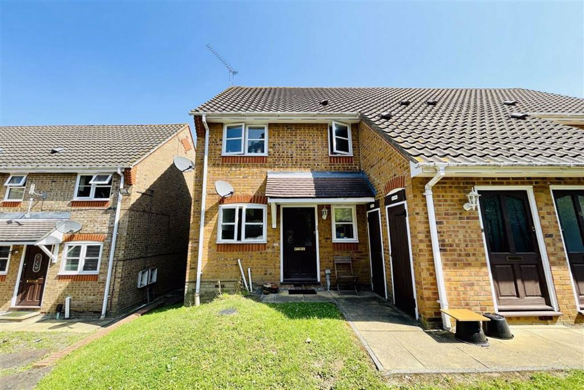 1 bed maisonette to rent in Philimore Close, Plumstead - Property Image 1